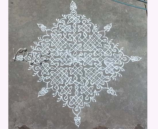 Big sikku kolam with 21 dots