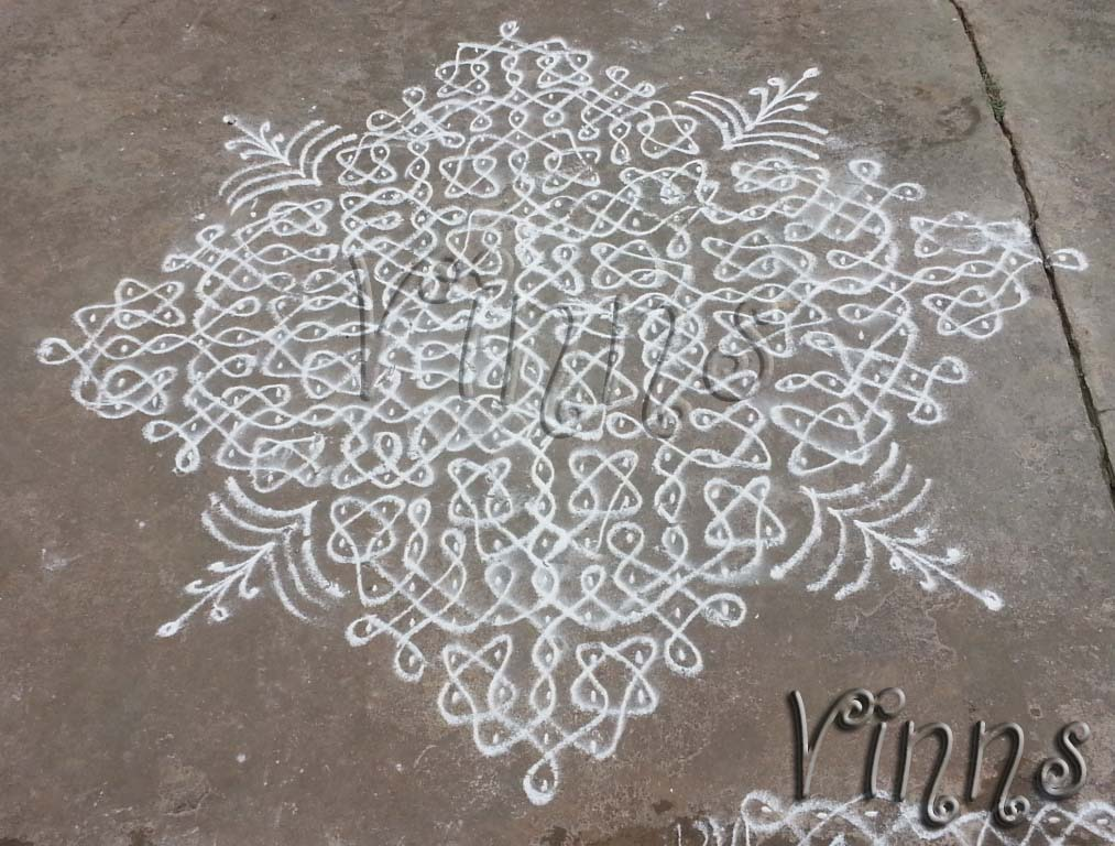 Big sikku kolam with 27 dots