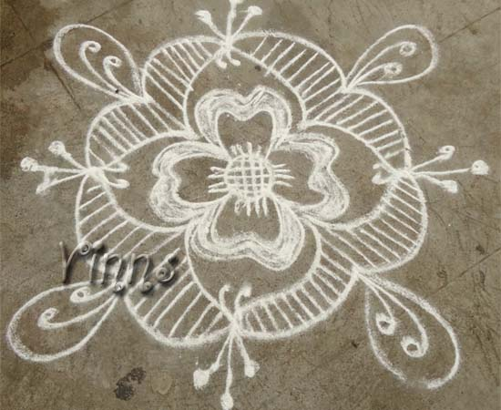 Simple freehand kolam