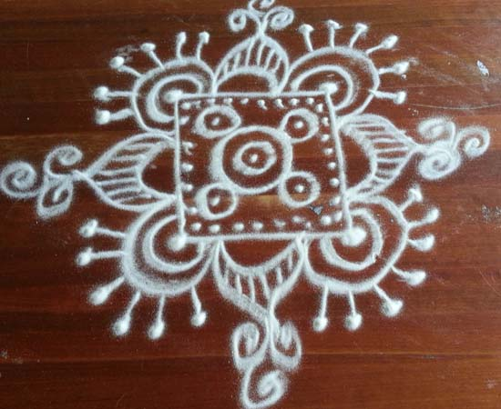 Simple Freehand Square kolam