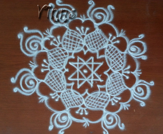 Small star kolam